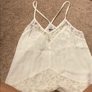 Crisscrossing top